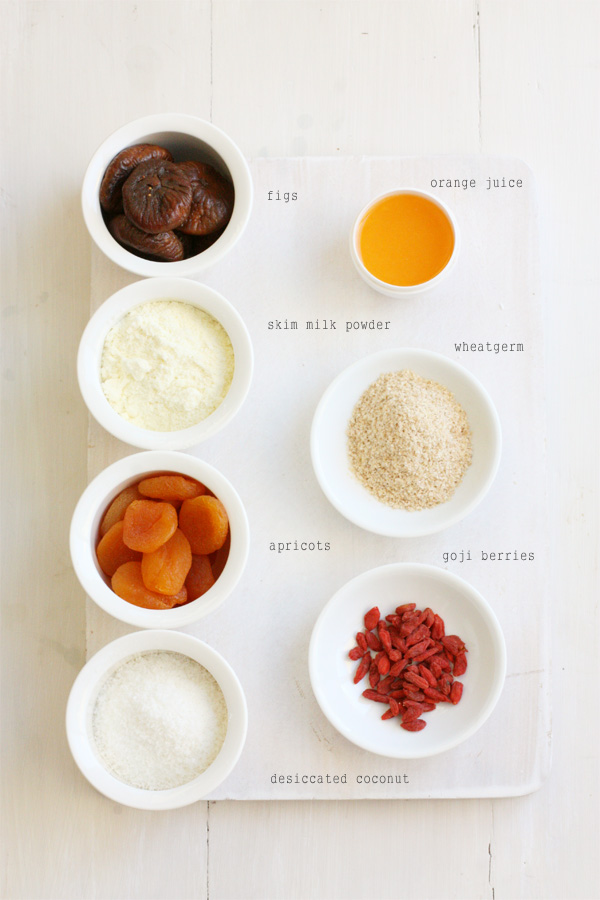 Ingredients for Apricot Fig Goji Berry Powerballs