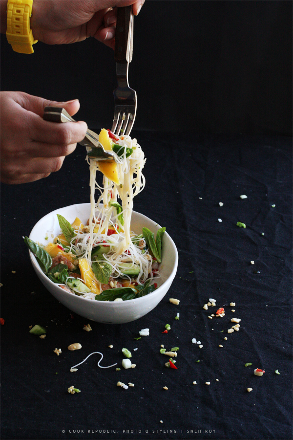 Salad Toss - Thai Prawn Mango Salad With Nam Jim Dressing