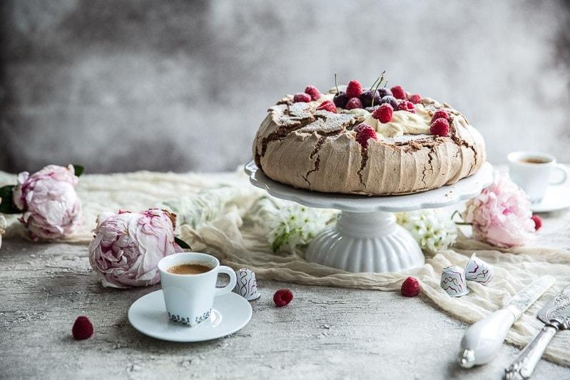 Coffee And Cream Pavlova - Cook Republic