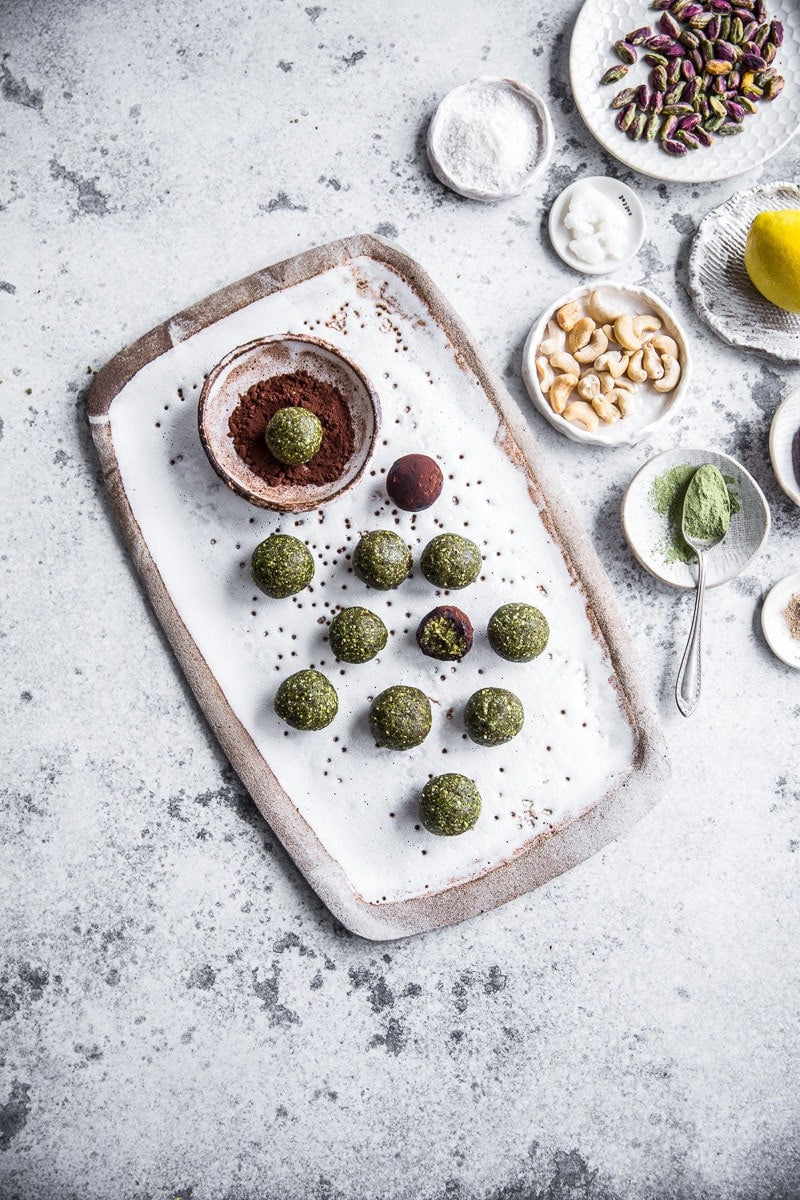 10 Minute Pistachio Matcha Snack Balls - Cook Republic #vegan #glutenfree