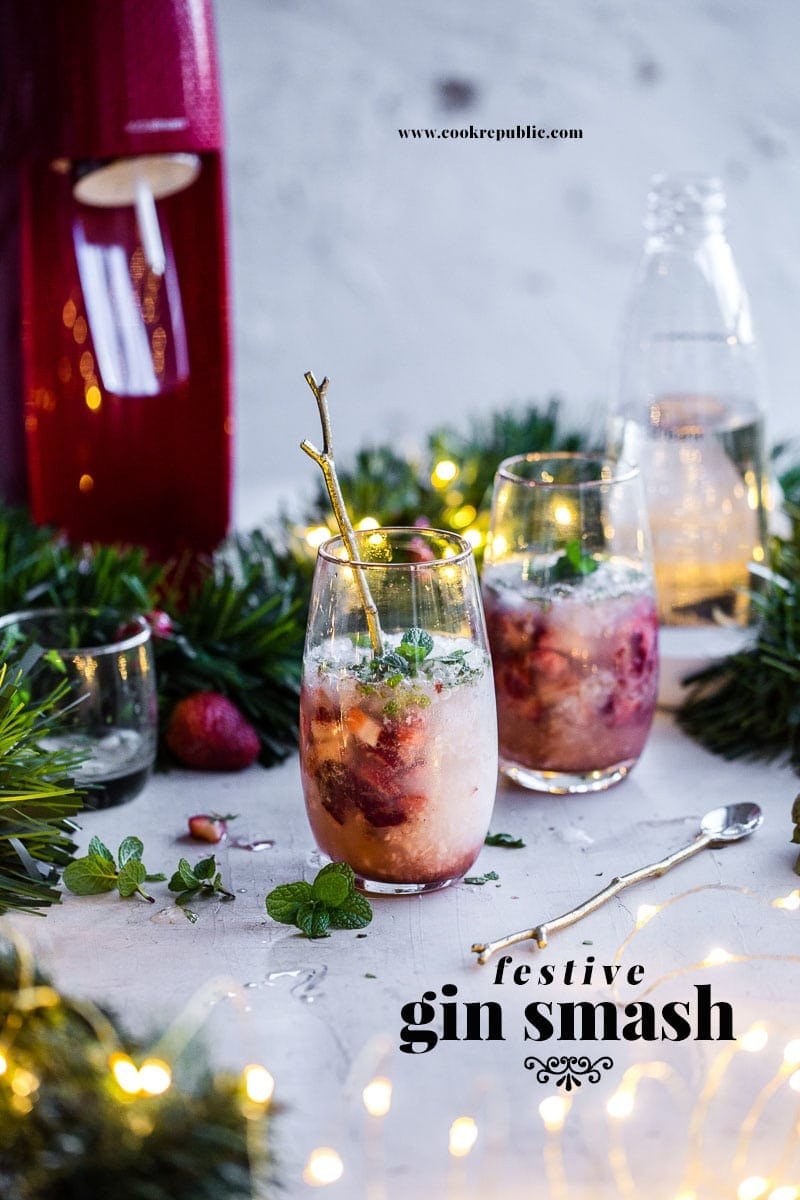 Festive Gin Smash - Cook Republic #cocktail #christmas #gin #vegan