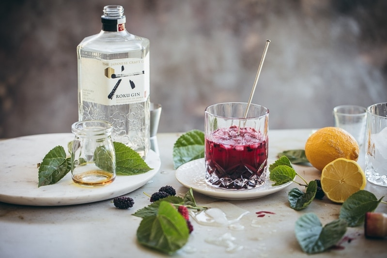 Fresh Mulberry Bramble Cocktail - Cook Republic #cocktail #vegan #foodphotography