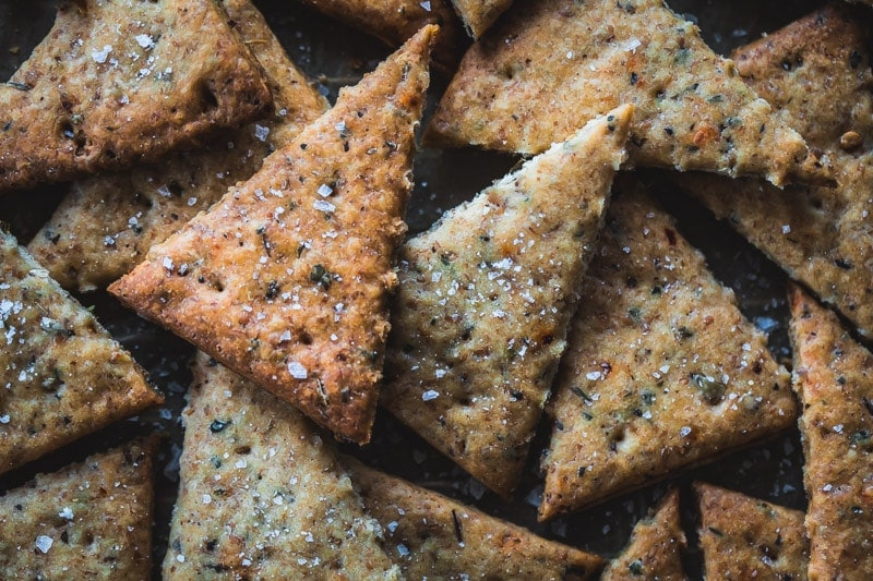 Vegan Sourdough Pizza Crackers - Cook Republic #starterdiscard #sourdoughrecipe #veganpizza