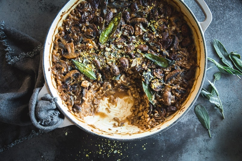 Vegan Baked Mushroom Garlic Sage Risotto - Cook Republic #veganrisotto #mushroomrisotto #bakedrisotto