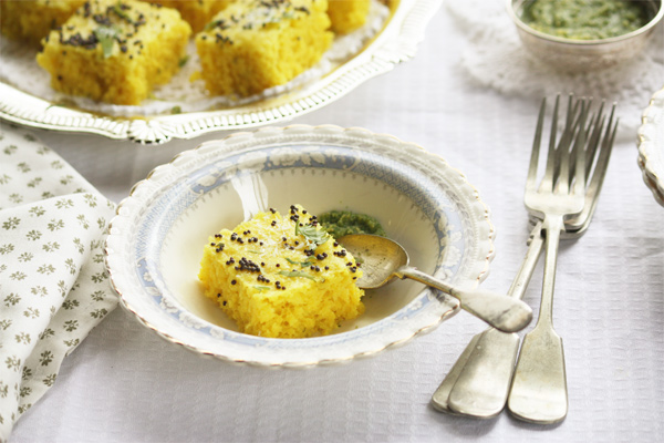 Traditional Rawa Khaman Dhokla